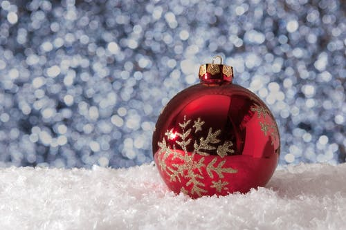 Leverage The Holidays for Your Job Search in Senior Care